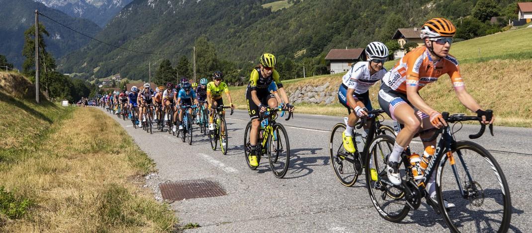 Calendrier Course Cycliste Professionnel 2020.L Uci Veut Professionnaliser Le Cyclisme Feminin Un